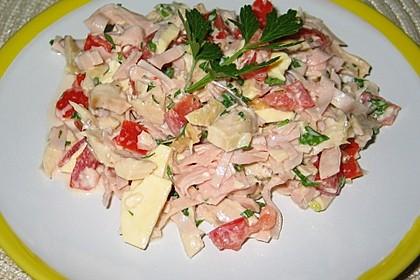 Geflügelsalat mit Schinken und Käse
