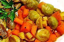 Rosenkohl-Möhren Gemüse mit Sojasauce