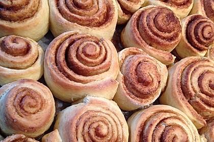 Zimtschnecken 'Cinnabon Style' 36