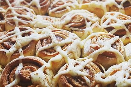Zimtschnecken 'Cinnabon Style' 2