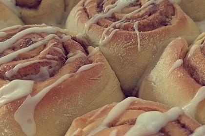 Zimtschnecken 'Cinnabon Style' 12
