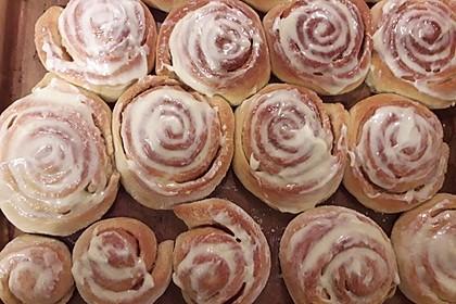Zimtschnecken 'Cinnabon Style' 106