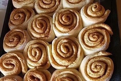 Zimtschnecken 'Cinnabon Style' 16
