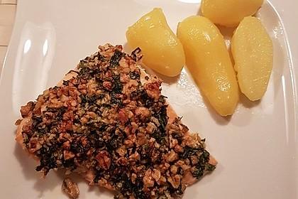 Lachs mit Parmesan-Kräuter-Walnuss-Kruste 32
