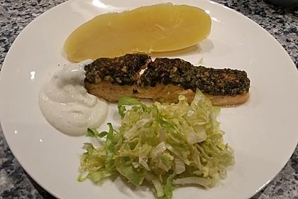 Lachs mit Parmesan-Kräuter-Walnuss-Kruste 55