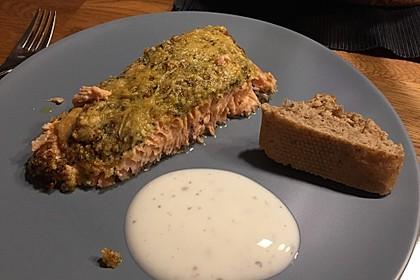 Lachs mit Parmesan-Kräuter-Walnuss-Kruste 40