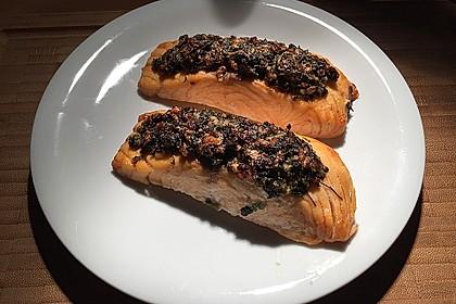 Lachs mit Parmesan-Kräuter-Walnuss-Kruste 44
