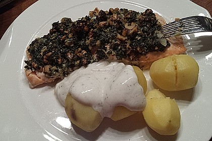 Lachs mit Parmesan-Kräuter-Walnuss-Kruste 34