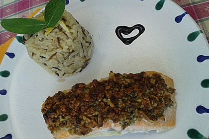 Lachs mit Parmesan-Kräuter-Walnuss-Kruste 45