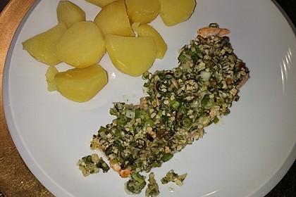 Lachs mit Parmesan-Kräuter-Walnuss-Kruste 50