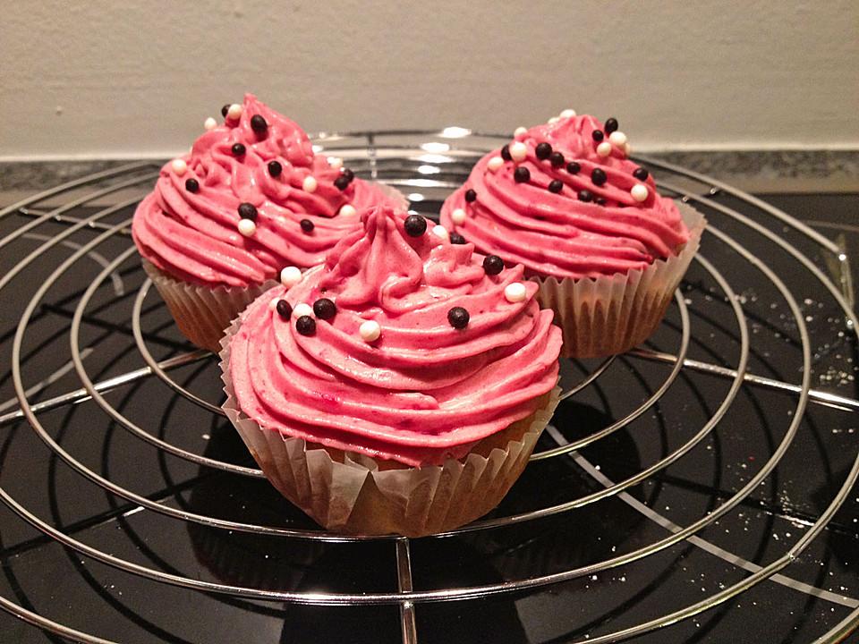 beeren kokos cupcakes von vivili. Black Bedroom Furniture Sets. Home Design Ideas