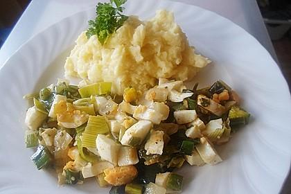 Lauch-Frühlingszwiebel-Eiergemüse an Kartoffelpüree der besonderen Art für 2 Personen