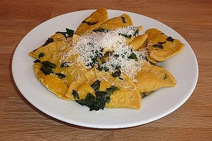 Ravioli mit Ricotta - Bärlauch Füllung
