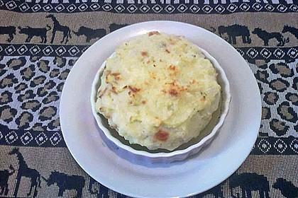 Kohlrabi - Hälften mit pikantem Kartoffel - Häubchen 6