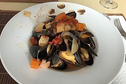 Muscheln in Tomatensoße 1