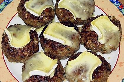 Gefüllte Frikadellen mit Camembert