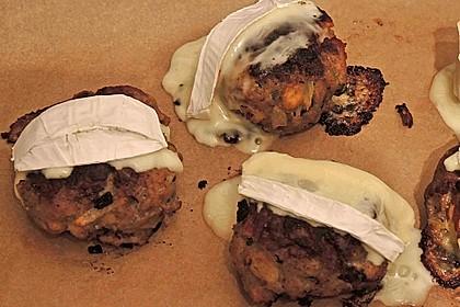 Gefüllte Frikadellen mit Camembert 7