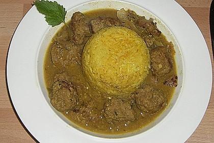 Indisches Fleischbällchencurry mit Joghurt und Kokosmilch