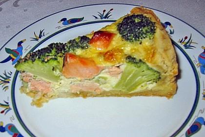 Brokkoli - Lachs Torte 17