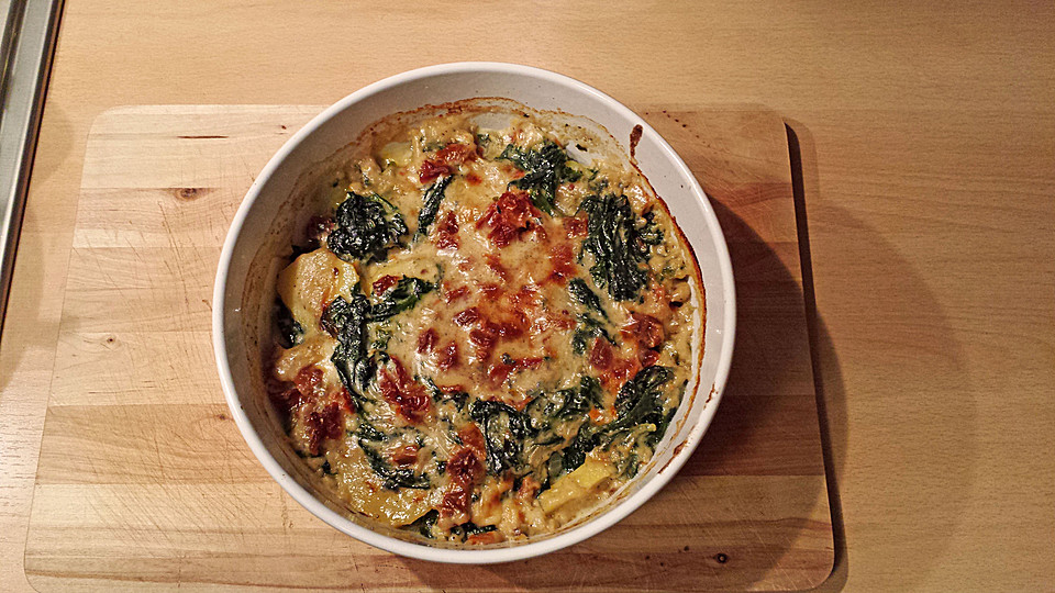 spinat kartoffel gratin mit gorgonzolasauce rezept mit bild. Black Bedroom Furniture Sets. Home Design Ideas