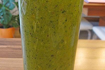 Grüner Kiwi-Bananen Smoothie mit Radieschengrün 7