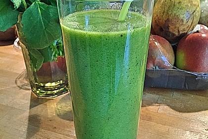 Grüner Kiwi-Bananen Smoothie mit Radieschengrün 4