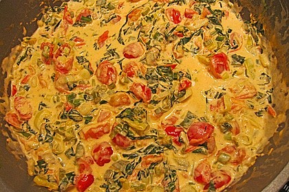 Pasta mit Bärlauch-Frischkäse-Soße und Cocktailtomaten 37