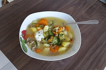 Kartoffel-Hackfleisch-Topf mit Schmand und Möhren 10