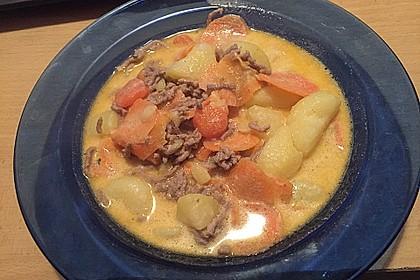 Kartoffel-Hackfleisch-Topf mit Schmand und Möhren 15