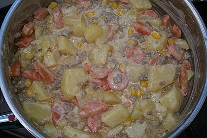 Kartoffel-Hackfleisch-Topf mit Schmand und Möhren 11