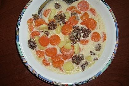 Kartoffel-Hackfleisch-Topf mit Schmand und Möhren 7