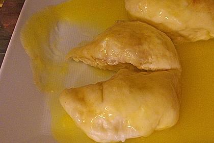 Hefeklöße Anneliese mit Apfelweinsoße