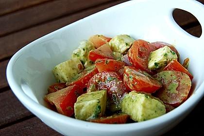 tomaten mozzarella salat mit pfiff von kathigacko. Black Bedroom Furniture Sets. Home Design Ideas