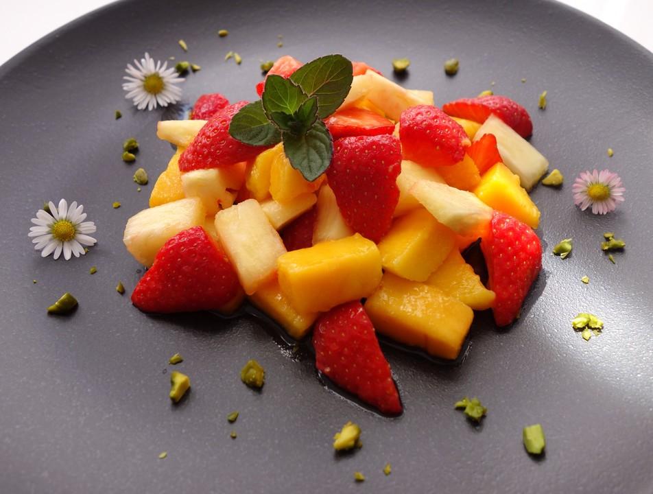 erdbeer ananas mango salat rezept mit bild von kochmaus667. Black Bedroom Furniture Sets. Home Design Ideas