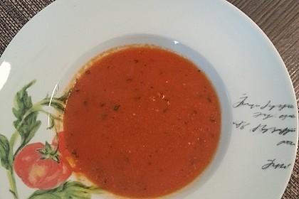 Low carb Tomaten-Basilikum-Suppe 11