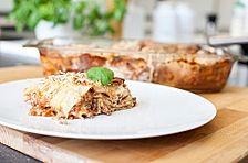 Kohlrabi-Lasagne mit Mozzarella und Tomate