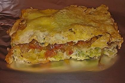 Gemüselasagne mit Brokkoli und Champignons