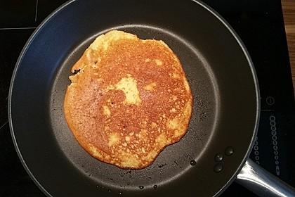 Blaubeer Pancakes aus Mandelmehl 5