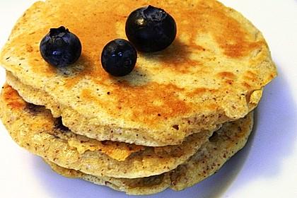 Blaubeer Pancakes aus Mandelmehl 3