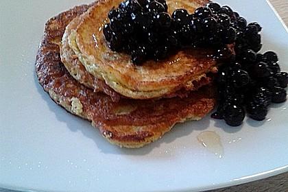 Blaubeer Pancakes aus Mandelmehl 2