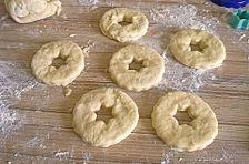 Schmand-Donuts aus Quark-Öl-Teig