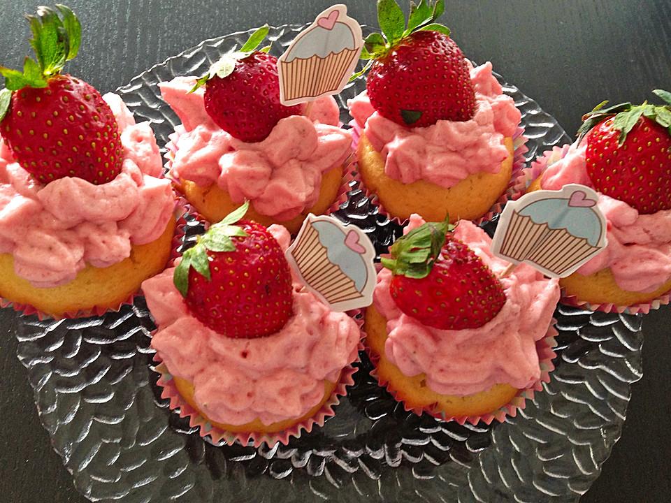 joghurt cupcakes mit erdbeer joghurt topping rezept mit bild. Black Bedroom Furniture Sets. Home Design Ideas