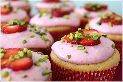 Joghurt Cupcakes mit Erdbeer-Joghurt-Topping