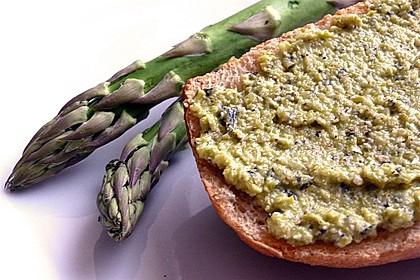 Pesto vom grünen Spargel zu Pasta und gebratenen Garnelen 1