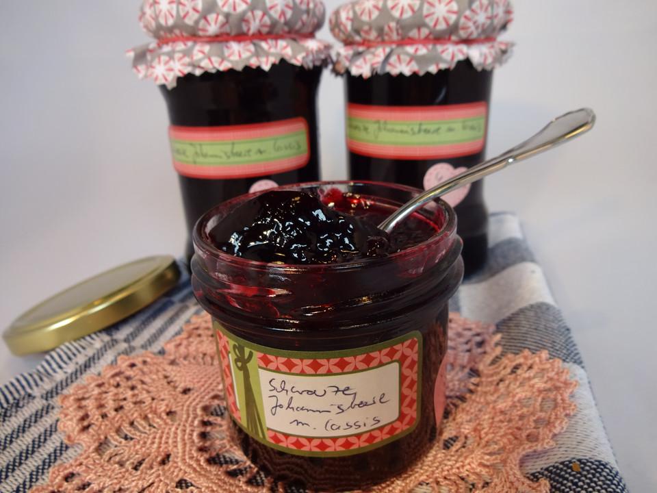 schwarze johannisbeer konfit re mit lik r rezept mit bild. Black Bedroom Furniture Sets. Home Design Ideas