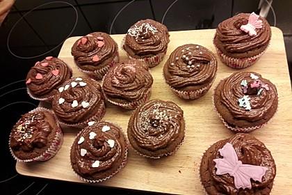 Schokoladen Cupcakes mit Schoko-Buttercreme 7
