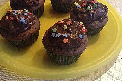 Schokoladen Cupcakes mit Schoko-Buttercreme 13