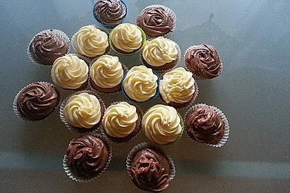 Schokoladen Cupcakes mit Schoko-Buttercreme 2