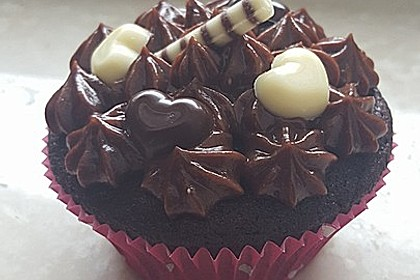 Schokoladen Cupcakes mit Schoko-Buttercreme 3