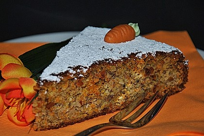 Möhren-Nuss-Kuchen 1